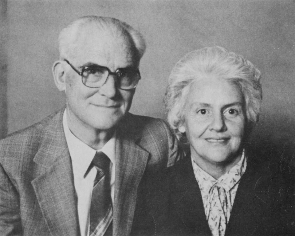 Prof JJ en mev Rika van der Walt.jpg