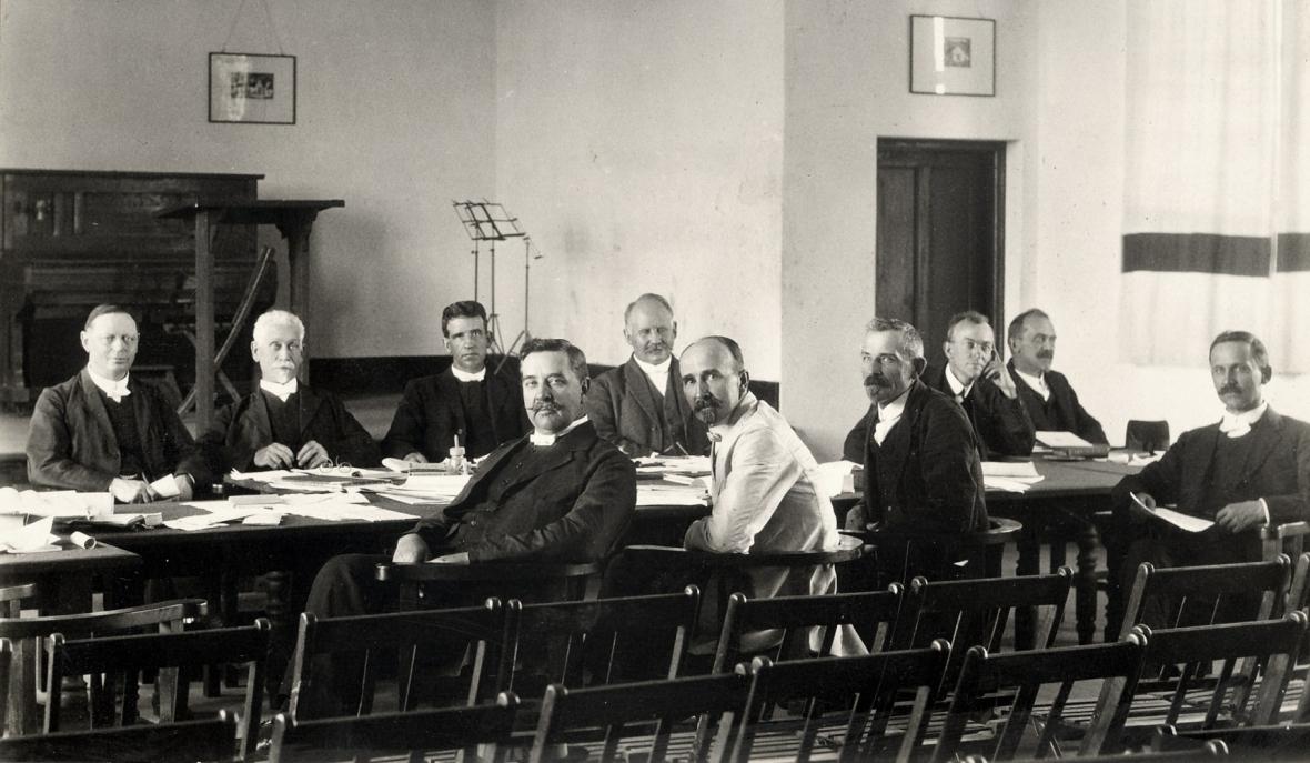 kuratore_van_die_gksa_se_teologiese_skool_potchefstroom_1920s.jpg