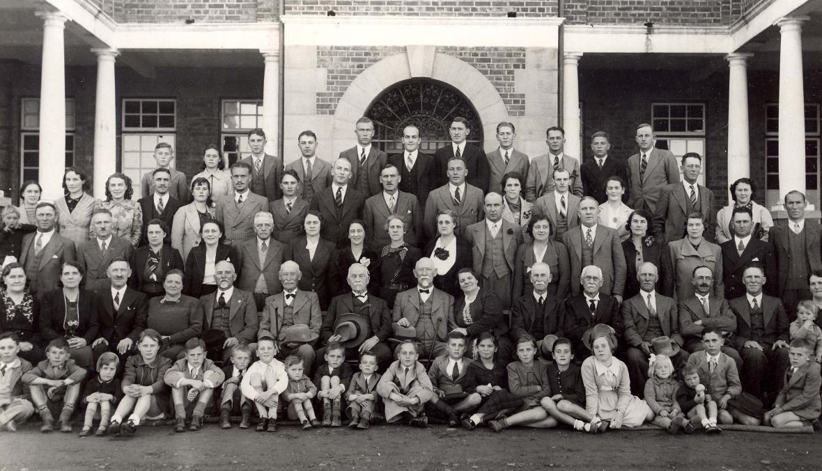 van_rooy-familiefees_met_sen_jc_van_rooy_se_80ste_verjaardag_kroonstad_23_julie_1939.jpg