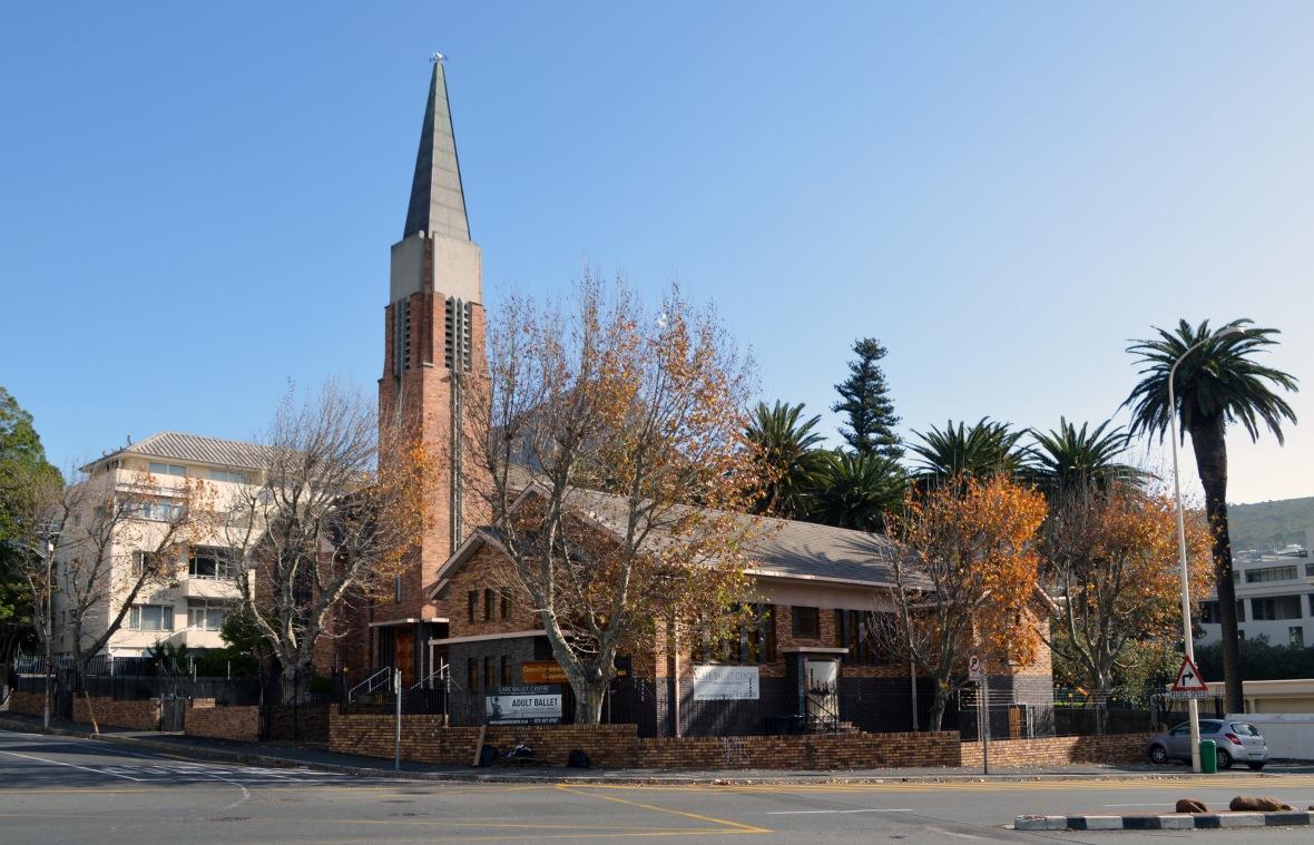 Gereformeerde_kerk_Kaapstad_vanuit_Bo-Oranjestraat,_Morné_van_Rooyen,_17_Junie_2017.jpg