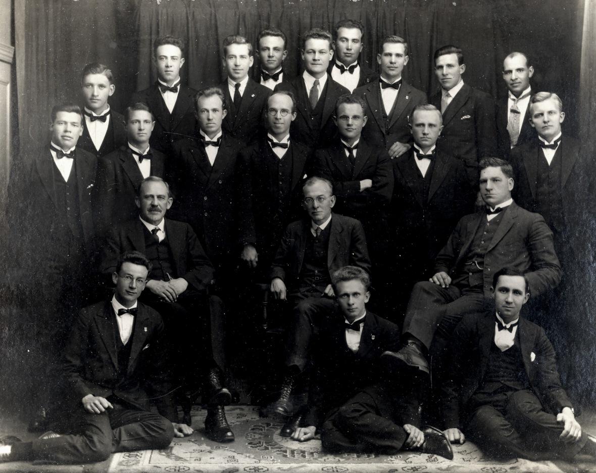 Studente_en_professore_van_die_Teologiese_Skool_Potchefstroom,_1929.jpg
