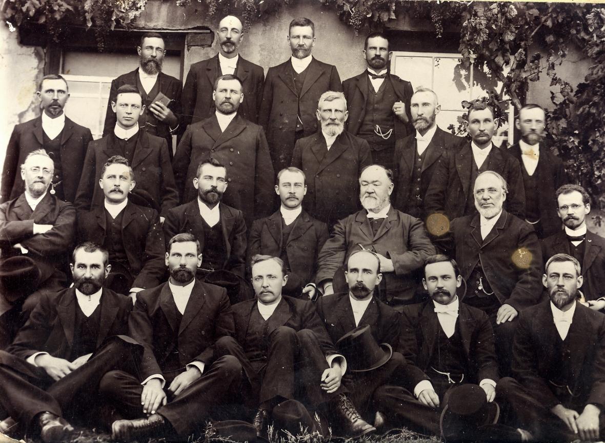 Algemene_Vergadering_van_die_Gereformeerde_Kerk_in_die_Kaapprovinsie,_Barkly-Oos,_1911.jpg