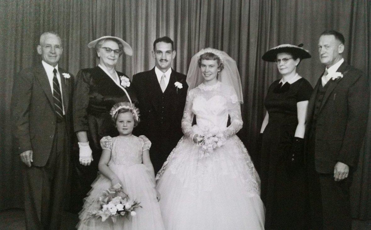 Ds_PC_Kruger_trou_op_14_April_1957_met_Alida_Duursema_in_die_Gereformeerde_kerk_Kroonstad,_waarvan_haar_vader,_Jan,_die_bouaannemer_was.jpg