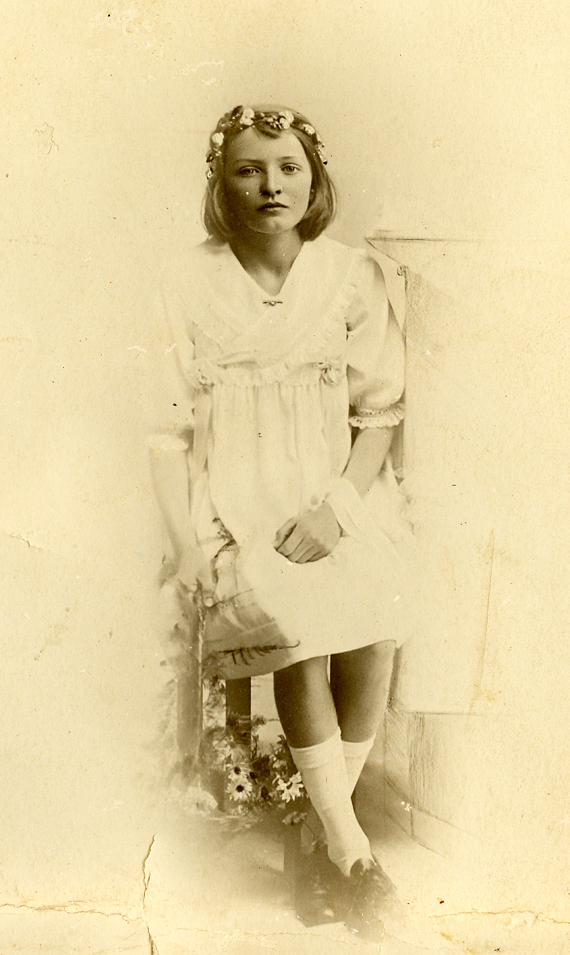 du Toit Wilhelmina as jong meisie (dogter van Totius) 630.jpg