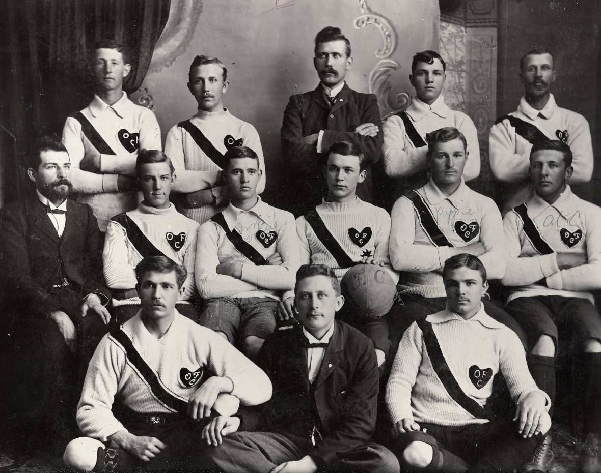 'n_Span_van_die_Orangia_Football_Club,_1903.jpg