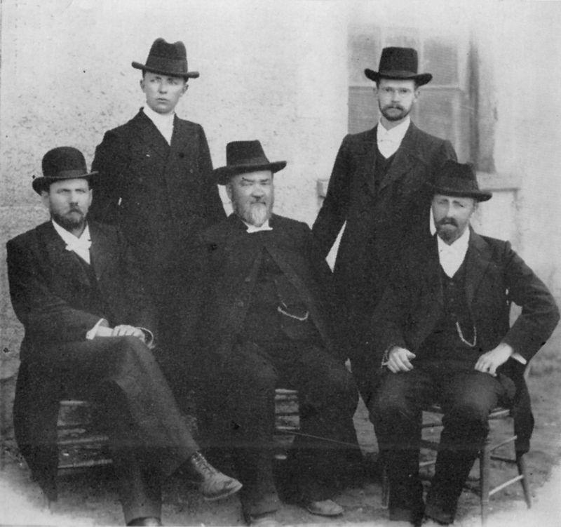 Predikante_op_die_Algemene_Vergadering_van_die_Gereformeerde_Kerk_te_Aliwal-Noord,_1904.jpg
