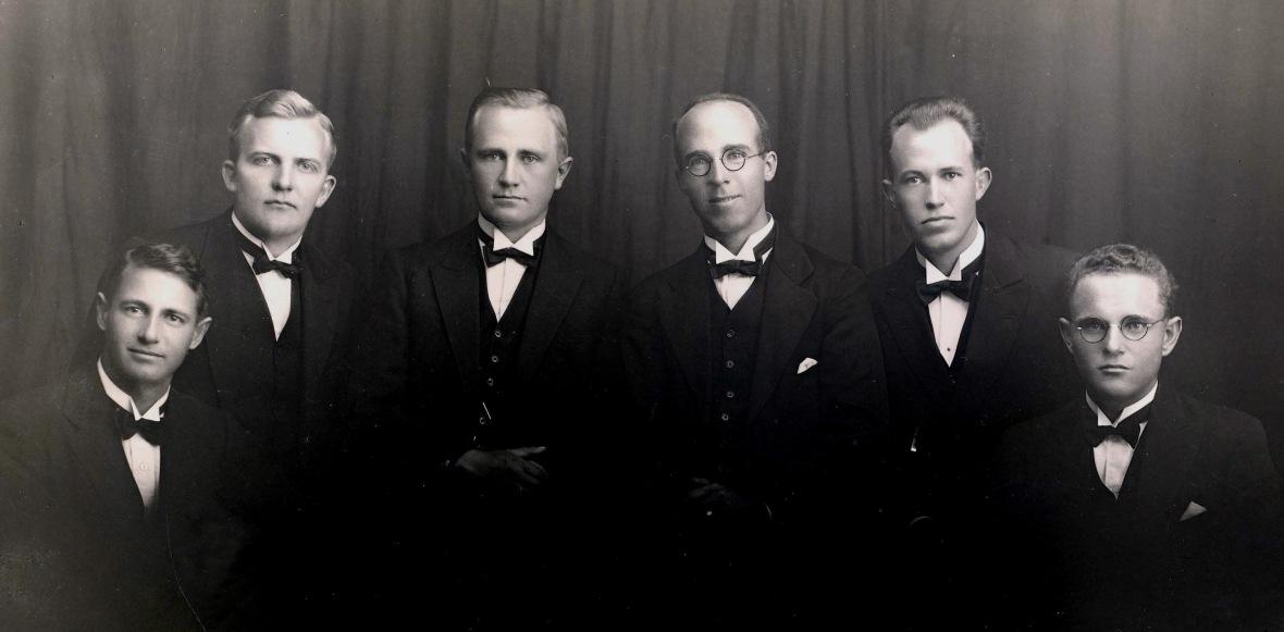 Vierdejaarstudente_van_die_Teologiese_Skool_Potchefstroom_1931.jpg
