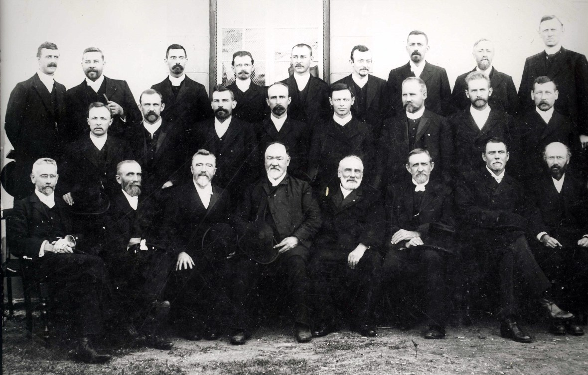 Algemene_Sinode_van_die_Gereformeerde_Kerk,_Reddersburg,_1910.jpg