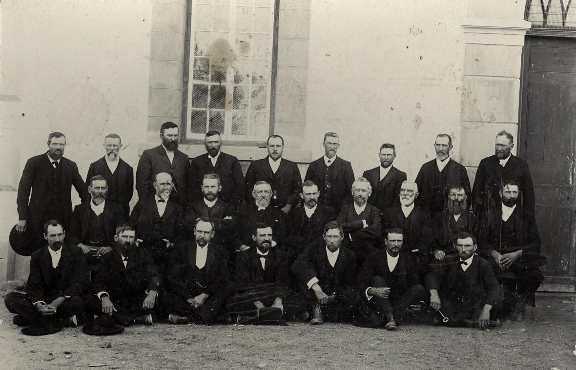 Algemene_Vergadering_van_die_Gereformeerde_Kerke_in_die_OVS,_1908,_Reddersburg.jpg