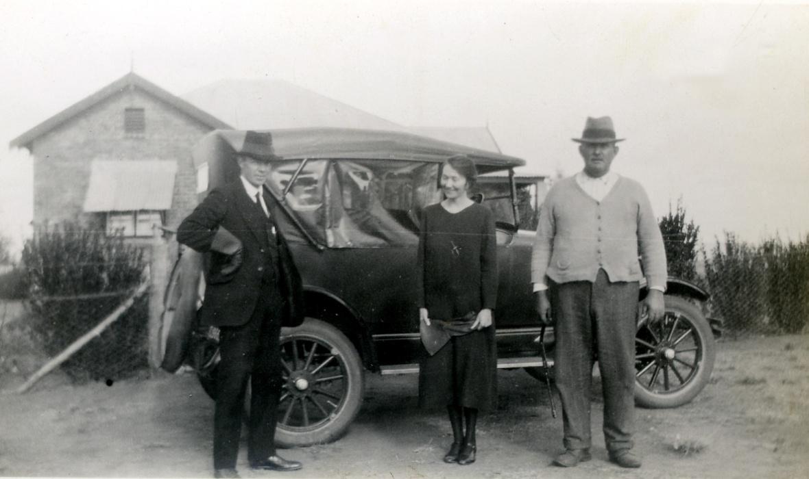 Ds_TT_Spoelstra_op_huisbesoek_te_Rolspruit,_distrik_Bethal,_1926.jpg