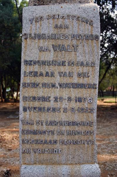 Grafsteen_ds_JP_van_der_Walt,_Waterberg.jpg