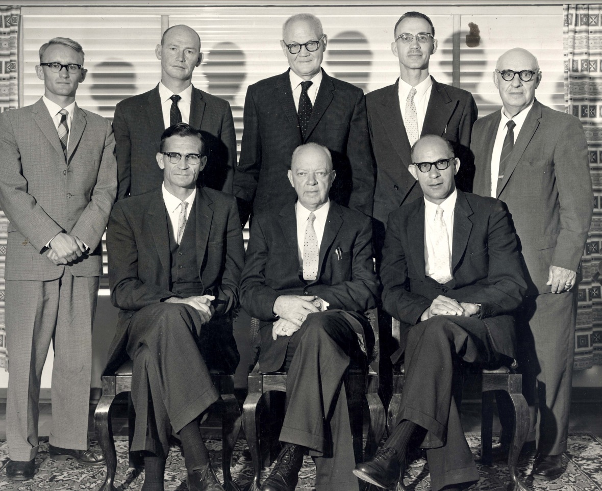 Personeel_en_kuratorium_van_die_Hammanskraalse_Teologiese_Skool,_1963.jpg