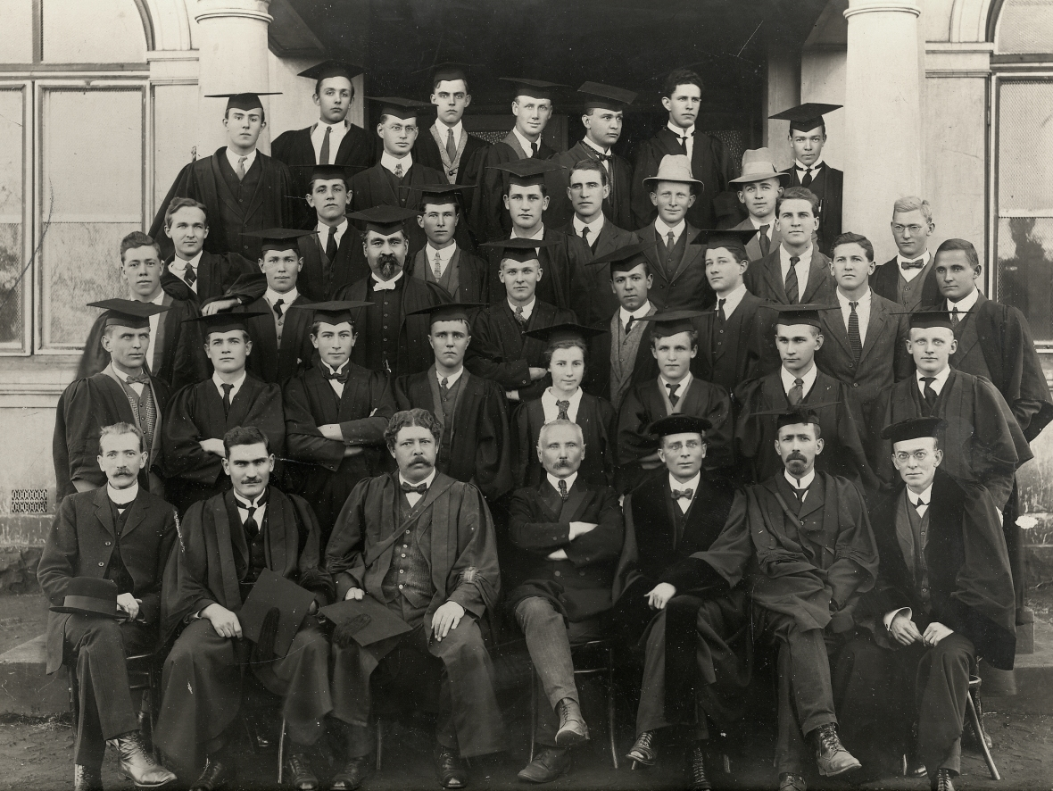 Professore_en_studente_van_die_Teologiese_Skool_Potchefstroom_1918.jpg