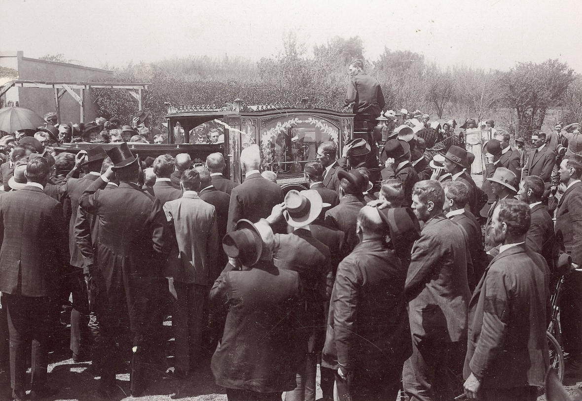 Prof_Jan_Lion_Cachet_se_begrafnis_op_Potchefstroom,_1912.jpg