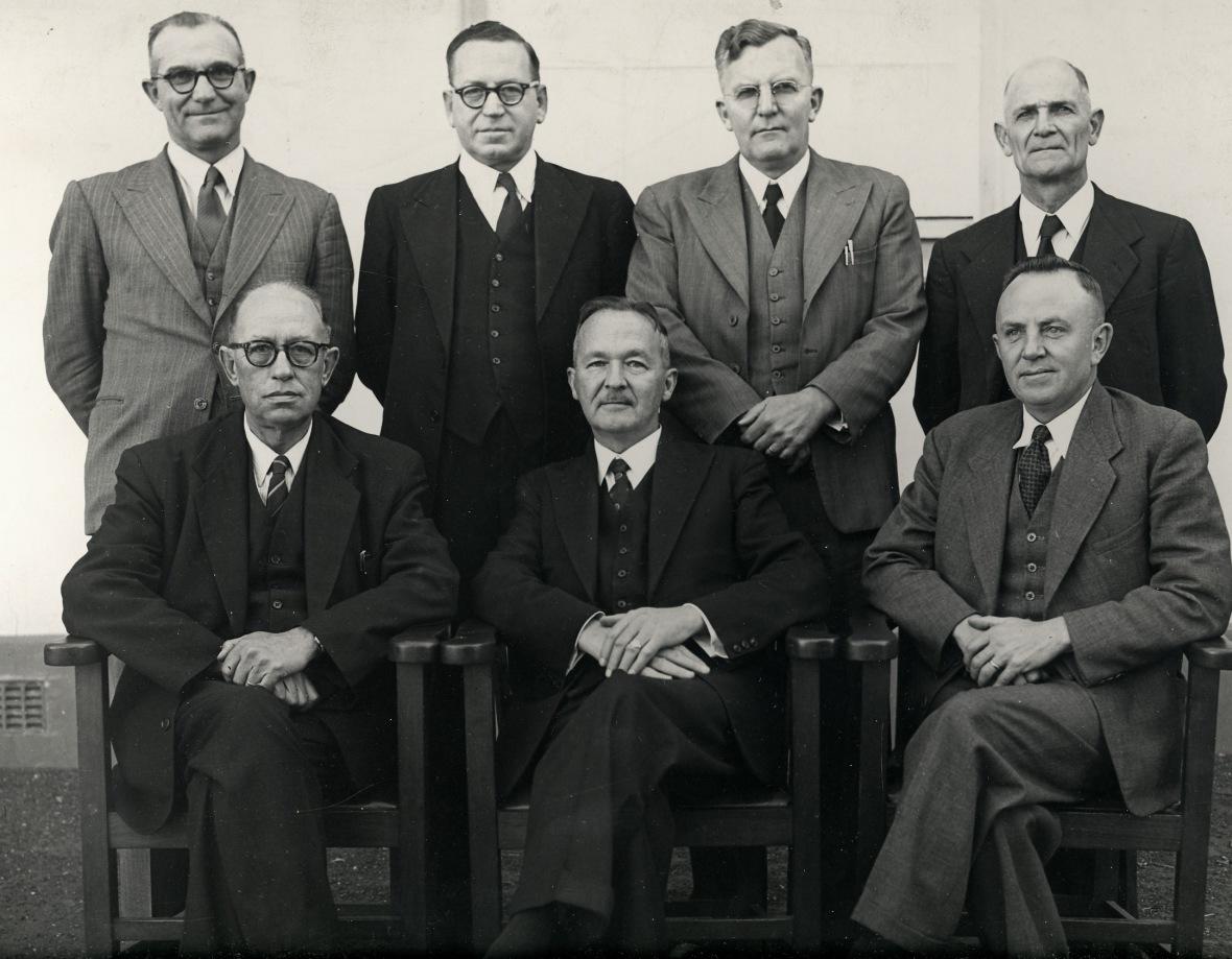 Senaat_van_die_Teologiese_Skool_Potchefstroom_met_prof_PJS_de_Klerk_as_rektor,_1952